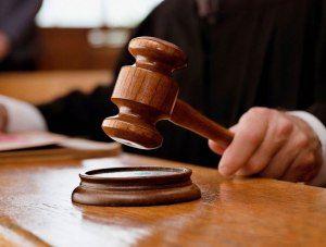 Феодосийца будут судить за кражу алкоголя