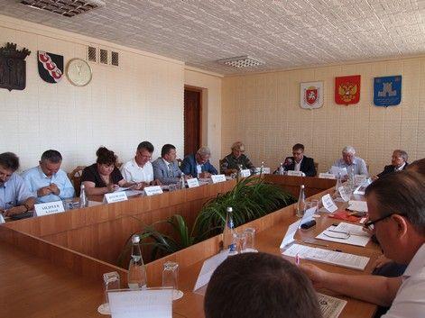 Подготовку газовых и электрических сетей Алушты к курортному сезону обсудили на выездном заседании профильного Комитета