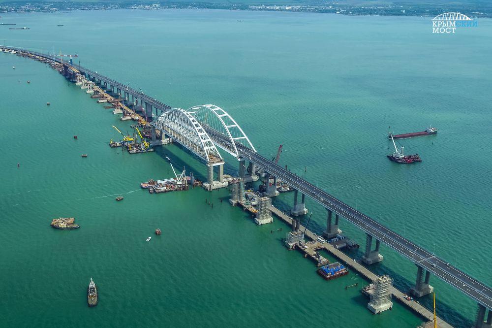 Установлен новый рекорд движения по Крымскому мосту