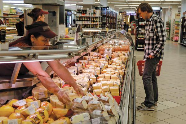 Так ли страшен сырный продукт, и как отличить его от настоящего сыра