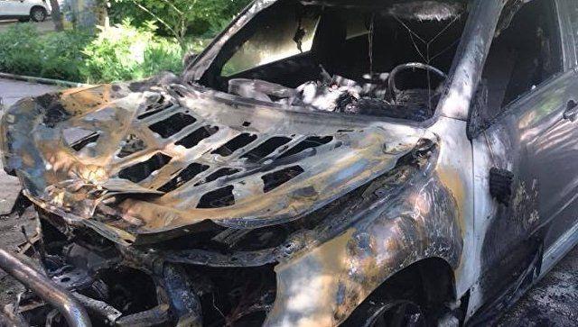 В Симферополе по ночам продолжают гореть автомобили
