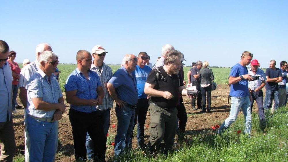 На базе КФХ «Сахалин» в селе Колоски Сакского района состоялся межрегиональный семинар, посвящённый Дню поля