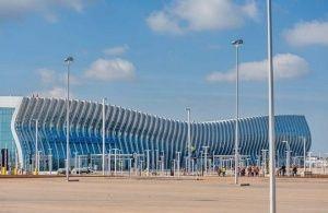 Блогер Варламов оценил аэропорт Симферополя