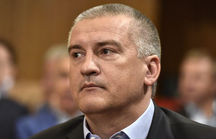 Аксенов предложил организовать поставки бензина в Крым, минуя биржу
