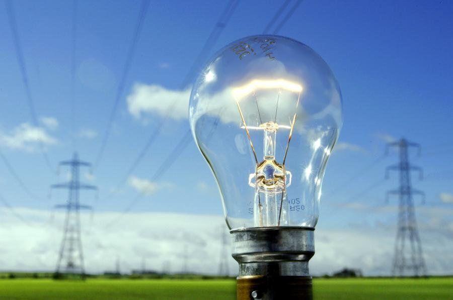 «Лежит все»: Крым остался без электричества имобильной связи