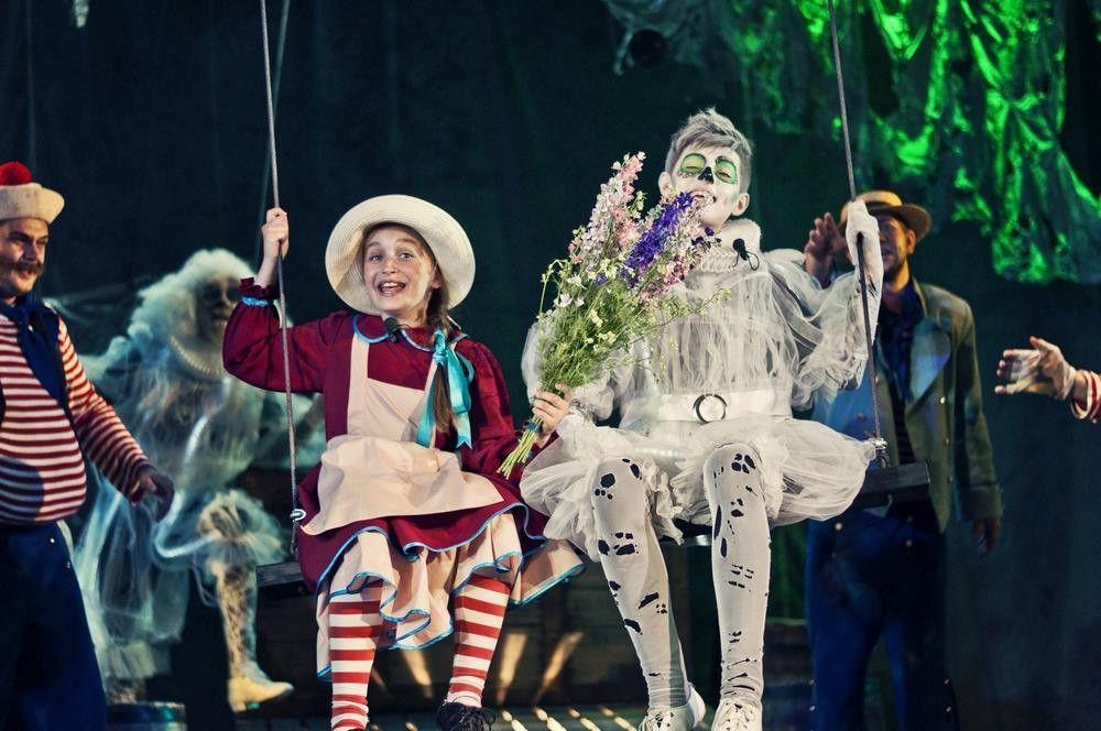 Крымский Молодежный театр «Студия 22» представили премьерный спектакль — мистическую историю о любви