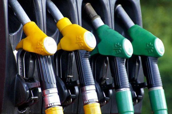 Аксенов предложил способ снизить цены на бензин в Крыму