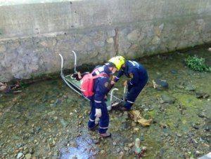 С подпорной стены в реку Быстрая упала туристка
