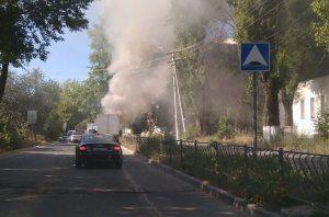 В Крыму горят машины