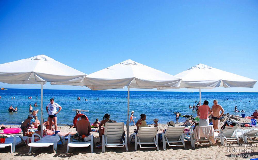 Большинство пляжей Евпатории и почти всего Южного берега Крыма готовы к приёму гостей, - МЧС