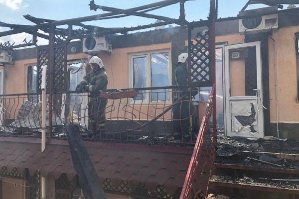 В Евпатории горел частный пансионат: 5 пострадавших