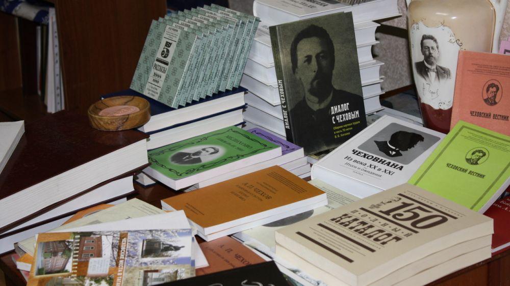 Крымскому литературно-художественному музею переданы в дар свыше 200 аудиодисков и книжных изданий