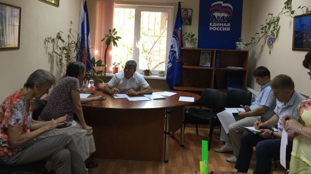 Роман Деркач провёл приёмы граждан в Гурзуфе и Ялте