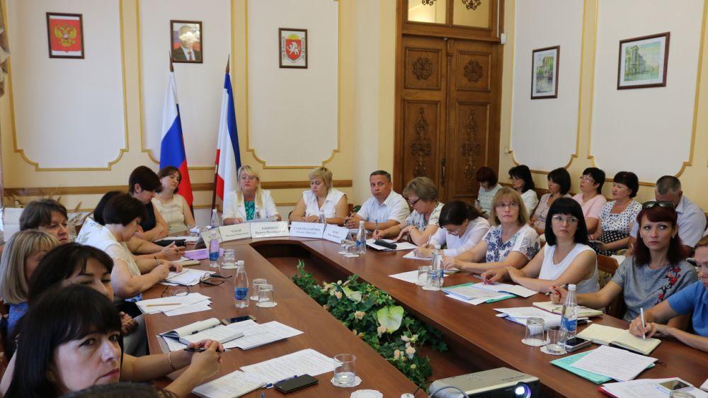 Ирина Кивико: Минфин Крыма продолжает оказывать методическую помощь муниципальным образованиям