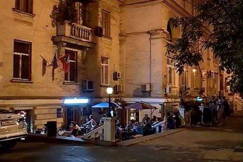 В центре Севастополя устраивают пьяные крики под окнами горожан