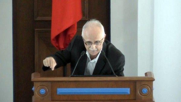 Гневная речь севастопольского депутата стала вирусной и разлетелась по сети