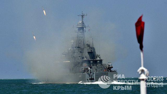 Артиллерийский салют и новейшие корабли: как в Севастополе отметят День ВМФ