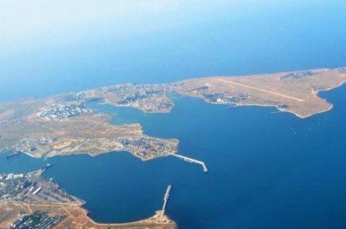 Российские военные закрывают акваторию Фиолента и Казачьей бухты в Севастополе