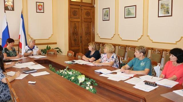 Минфин Крыма заслушал муниципалитеты по исполнению прогнозных показателей на 2018 год