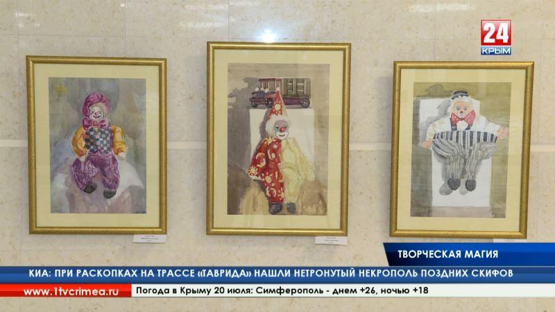 За пультом искусства. В республиканской библиотеке им. И. Я. Франко открылась художественная выставка «Крым в моём сердце»