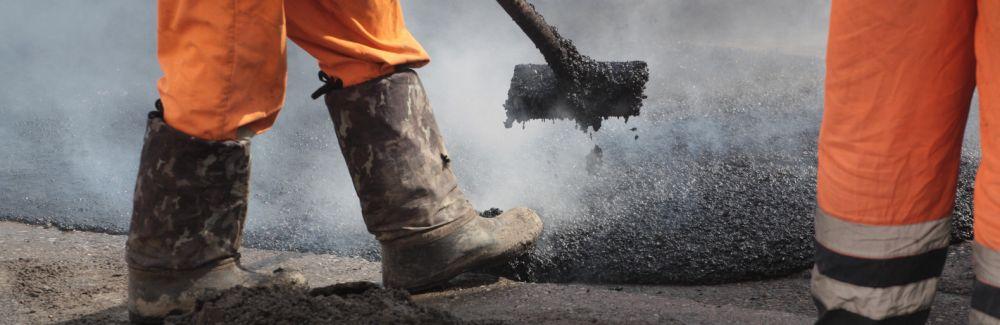 Строители начали прокладывать новую 14 - километровую дорогу к озеру Чокрак в Крыму