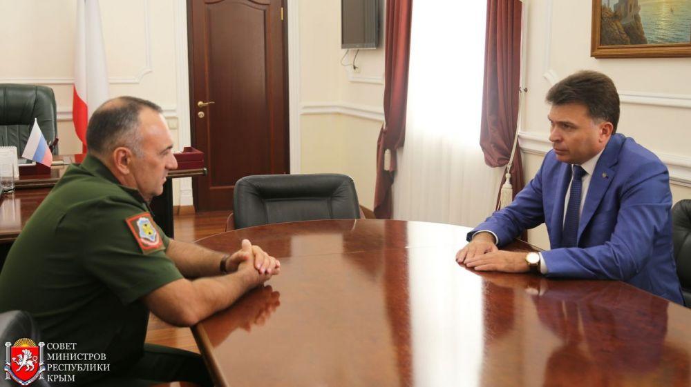 Игорь Михайличенко обсудил с военным комиссаром Республики Крым ход весенней призывной кампании 2018 года