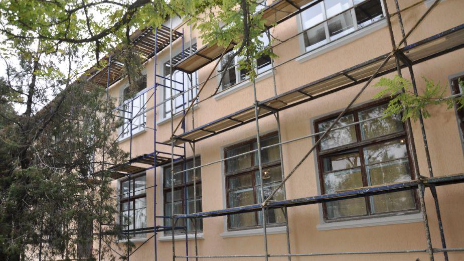 Более 100 миллионов в этом году направят на ремонт объектов образования Красногвардейского района