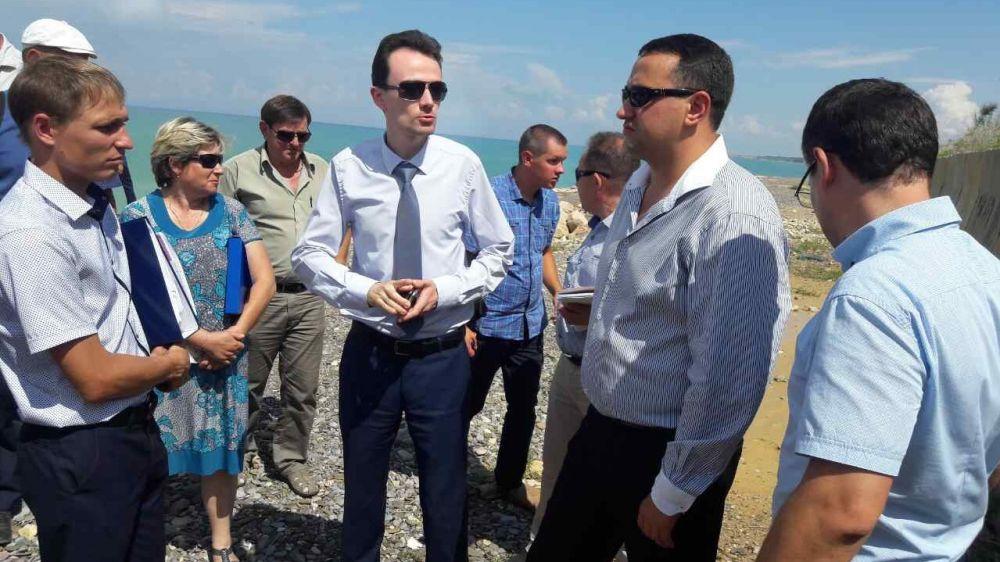 Максим Скорин провел выездное рабочее совещание по вопросам организации начала строительно-монтажных работ на объекте берегоукрепления в селе Береговое