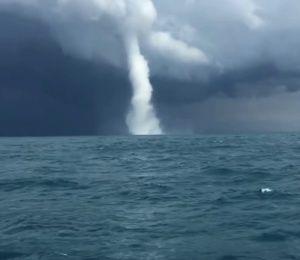 Над Черным морем пронесся смерч