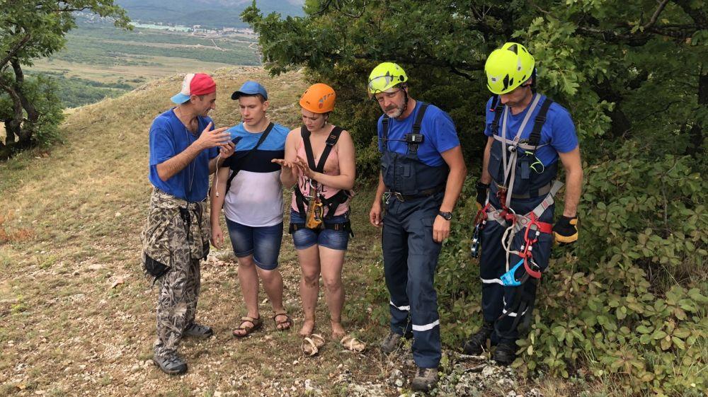 Специалисты «КРЫМ-СПАС» дважды привлекались для оказания помощи туристам в горно-лесной местности