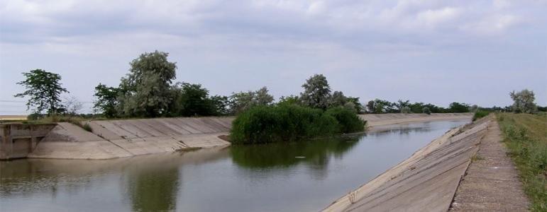 Нырнул и не вынырнул: в Северо-Крымском канале погиб мужчина
