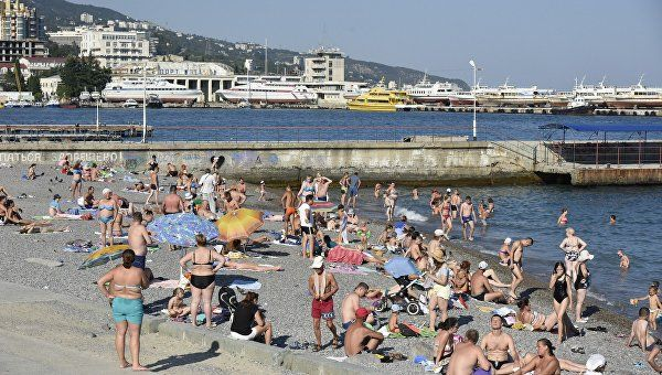 В Ялте не рекомендуют купаться сразу после дождя из-за роста кишечных инфекций