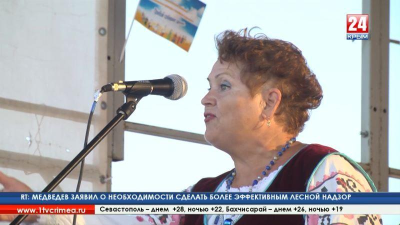 Фестиваль национальных культур и семейного творчества «Прибой собирает друзей» прошел на западном побережье Крыма