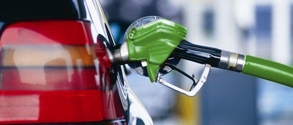 Сеть АЗС снизила цены на топливо в Крыму