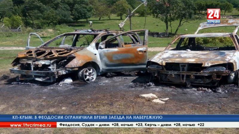 Неизвестные в Севастополе напали и сожгли автомобили участников военно-патриотического клуба