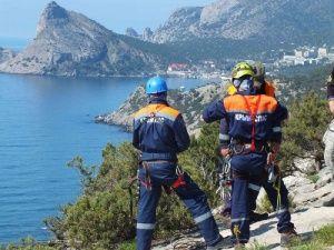 В Крыму спасли упавшего в Учан-Су украинца
