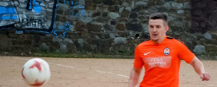 Действующий обладатель Кубка Ялты стал первым полуфиналистом нового розыгрыша