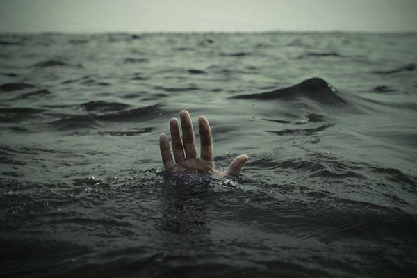 Украинец упал в реку в центре Ялты