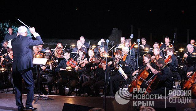 Путин посетил оперный фестиваль в Херсонесе