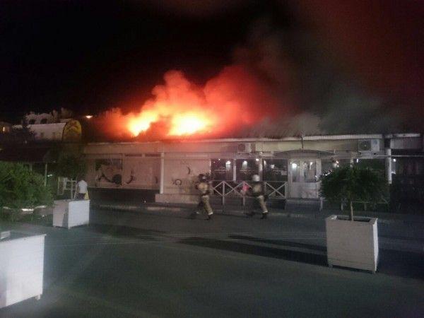 Центр Севастополя в огне!