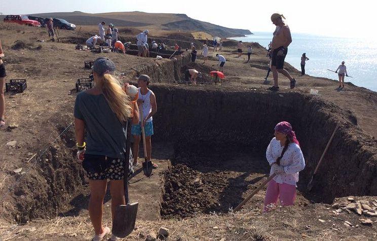 Археологи нашли в Крыму массовое захоронение людей времен Хазарского каганата
