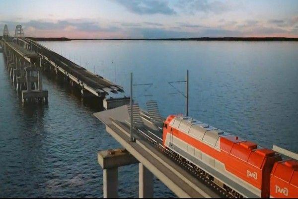 На поезде по Крымскому мосту из дальнего региона России