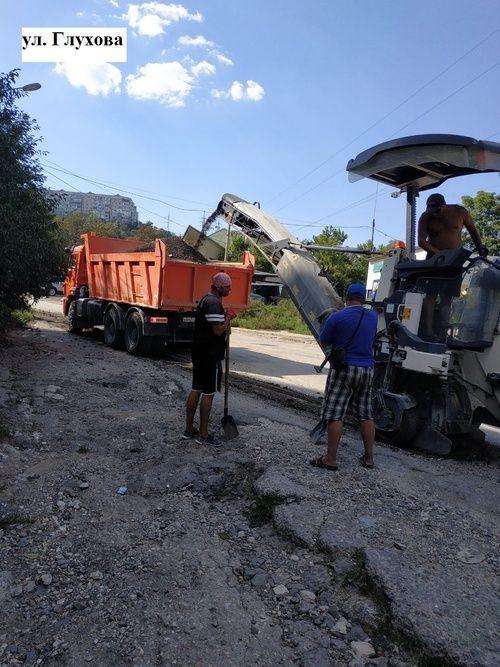 Продолжается ямочный ремонт дорог Симферополя