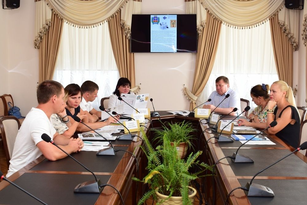 В администрации Симферополя прошёл «Час предпринимательства»