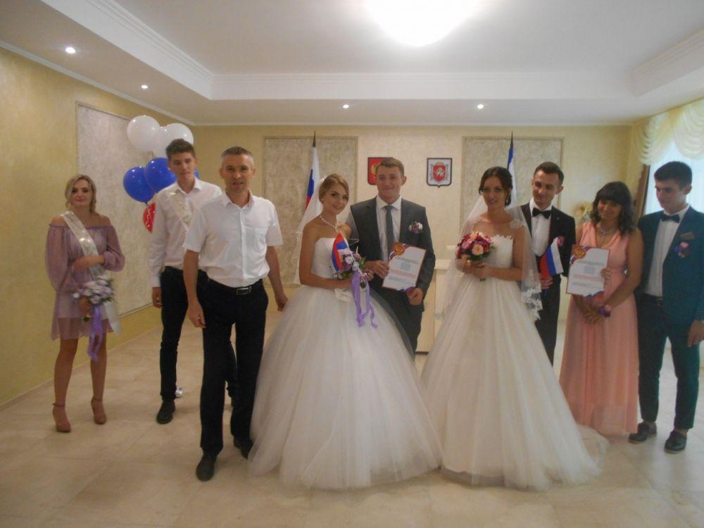 В Крыму 18 августа 2018 года в брак вступили почти в два раза больше молодоженов, чем в другие субботние дни - Наталия Пельо