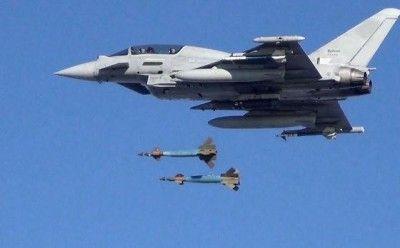 Английские истребители сопроводили русский самолет над темным морем