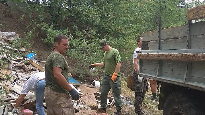 В районе метеорологической станции «Ангарский перевал» организовано мероприятие по уборке мусора