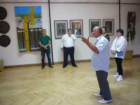 В Феодосии торжественно открыли выставку искусства Сибири