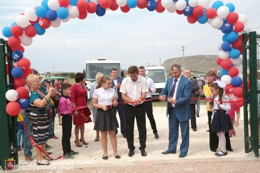 В селе Мичуринское Белогорского района состоялось торжественное открытие футбольного поля