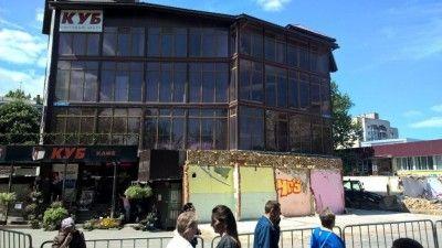 Торговый центр в Симферополе не могут снести из-за суда